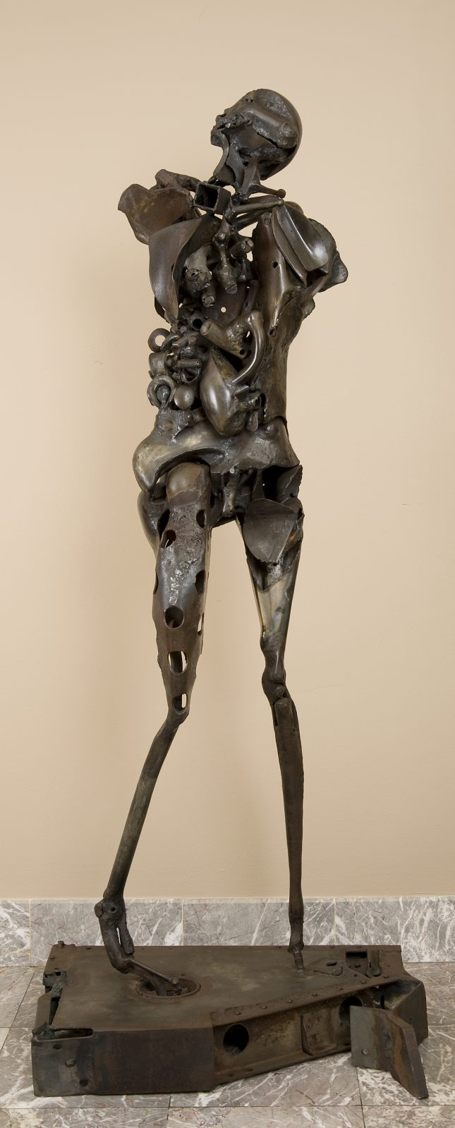 This sculpture by Richard Hunt shows an abstracted human figure