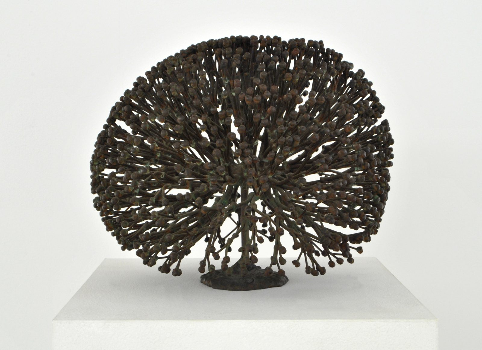 Small bush-type sculpture made in bronze